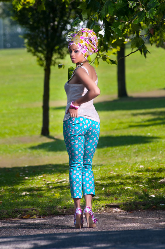 Cropped-Capri-Trousers,-Gold-Vest-Top-&-Pink-Floral-Gele--2