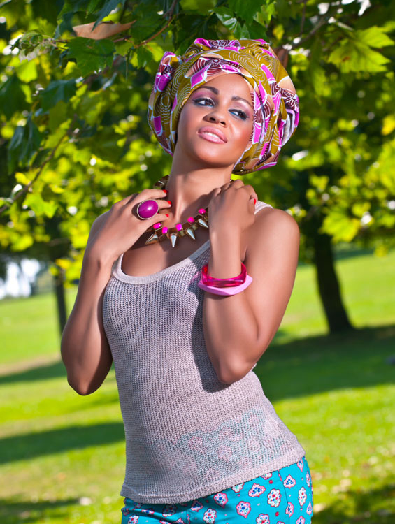 Cropped Capri Trousers, Gold Vest Top & Pink Floral Gele