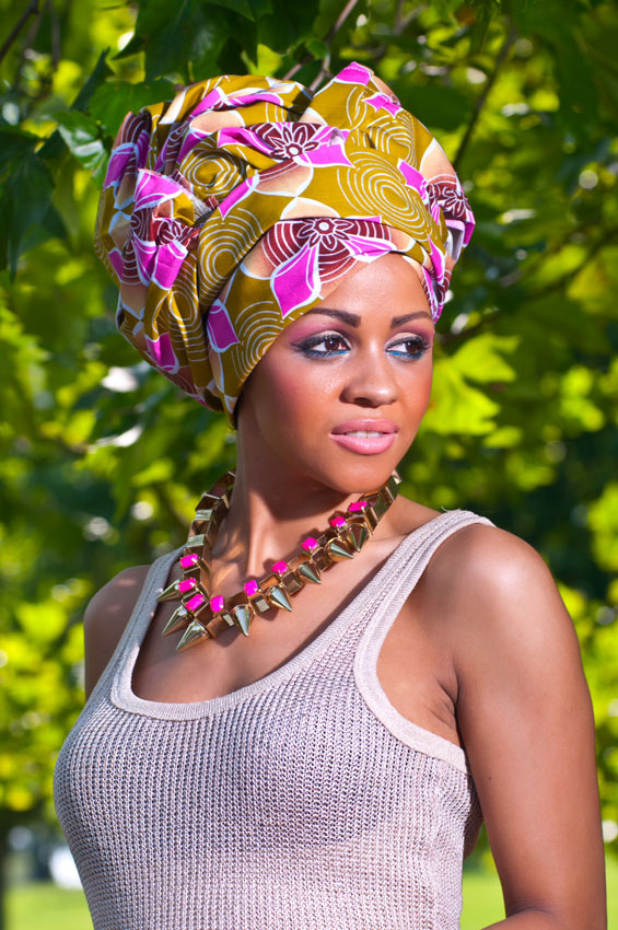 Cropped-Capri-Trousers,-Gold-Vest-Top-&-Pink-Floral-Gele--6